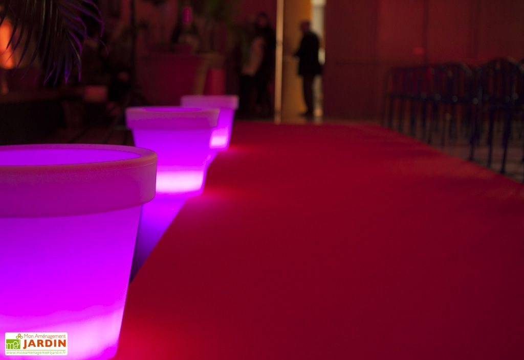 pot de fleurs lumineux multicolore 51x47cm l h pot de. Black Bedroom Furniture Sets. Home Design Ideas
