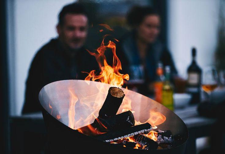Barbecue Design au Charbon de Bois Cône
