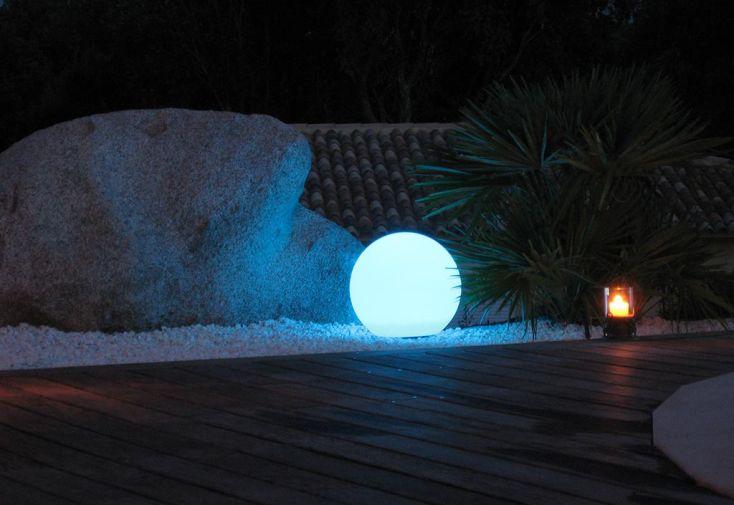 boule lumineuse multicolore led etanche t l commande sur secteur 50 boule lumineuse. Black Bedroom Furniture Sets. Home Design Ideas