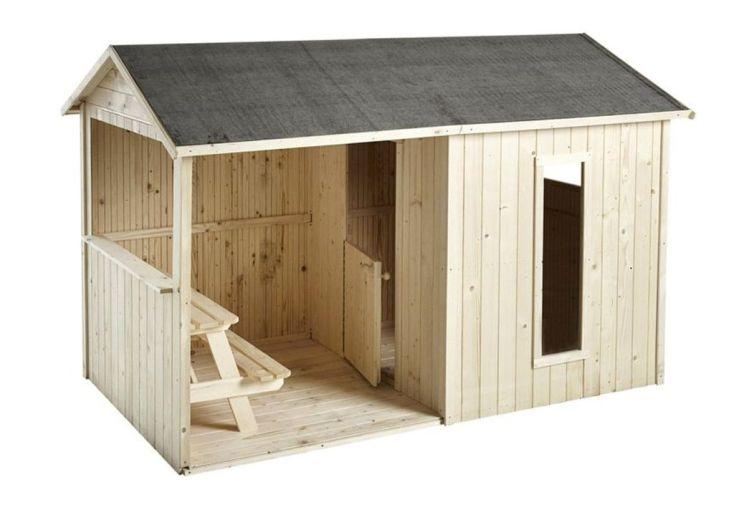 Cabane en bois brut pour enfants avec grandes fenêtres et abri ouvert