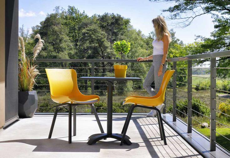 Ensemble repas de jardin 2 personnes en aluminium et résine Hartman Sophie jaune
