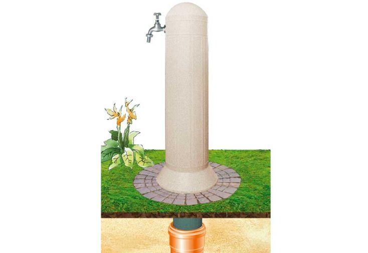 Colonne de jardin avec pompe et robinet sable