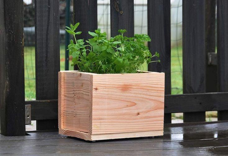jardinière pour balcon ou terrasse en douglas sans traitement chimique