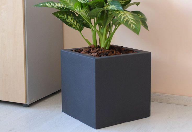 jardinière carrée en plastique rotomoulé gris anthracite 40 cm