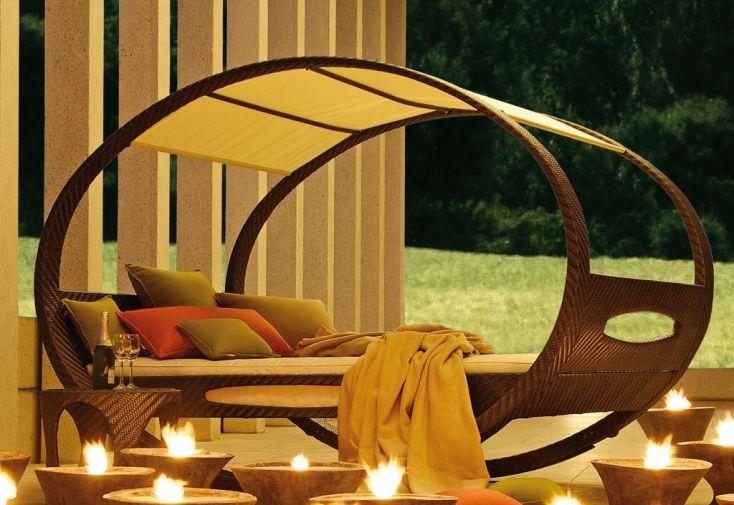 Lit d'Extérieur Design en Osier et Sunbrella Swing