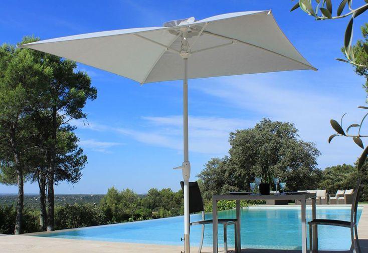 Parasol droit en aluminium avec toile en polyester et éclairage LED