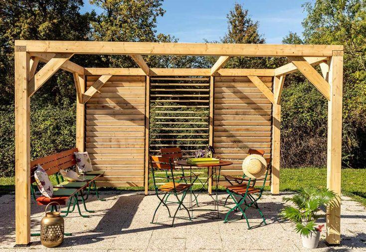 Pergola bioclimatique en bois avec façade vantelles orientables douglas