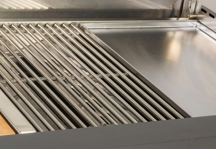plaque de cuisson en inox avec partie grill et Teppanyaki 4 brûleurs