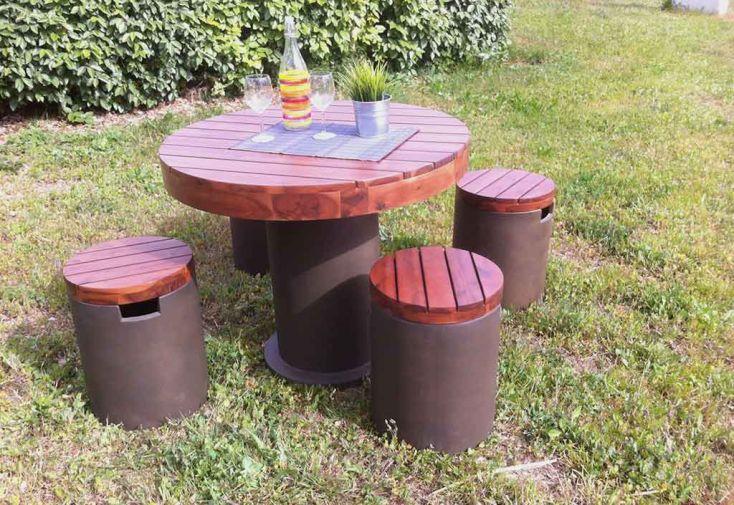 Salon de Jardin en Béton Ciré et Acacia : Table + 4 Tabourets