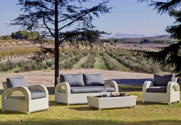 Salon de Jardin en Résine Tressée Corinto : Table + Canapé 2 P + 2 Fts