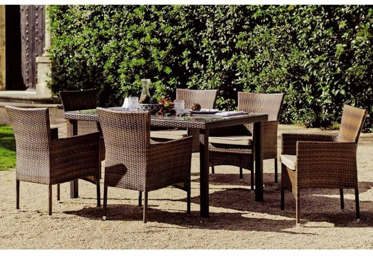 Salon de Jardin : Table à Manger et ses 6 Fauteuils en Résine Tressée