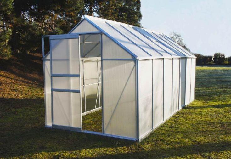 serre de jardin en polycarbonate alvéolaire translucide double paroi