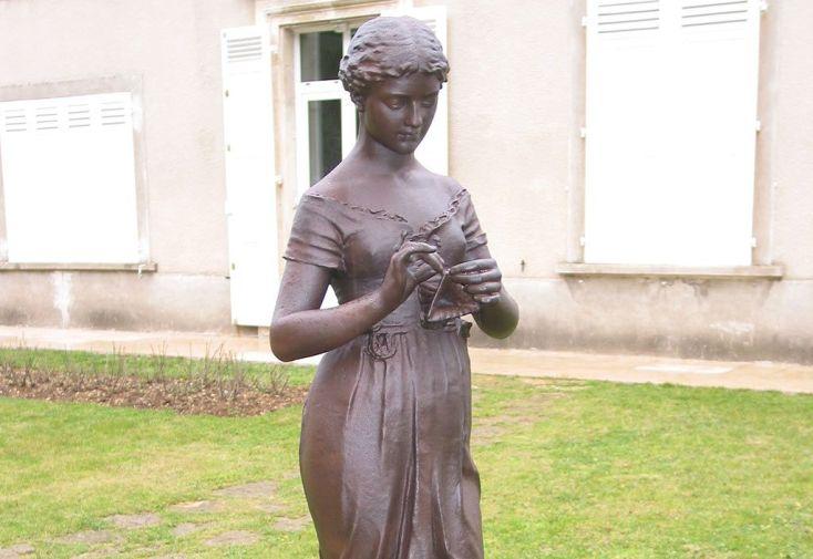 Statue de Jardin en Fonte Fleur des Alpes