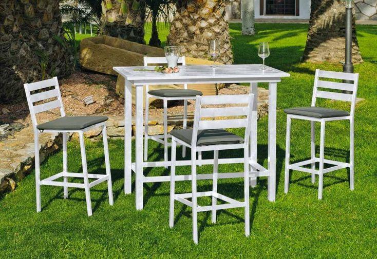 salon de jardin avec table haute 130 cm de long et ses quatre chaises hautes