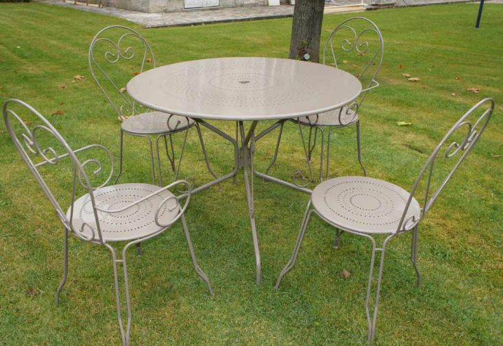 Table Ronde Tradition + 2 chaises + 2 Fauteuils