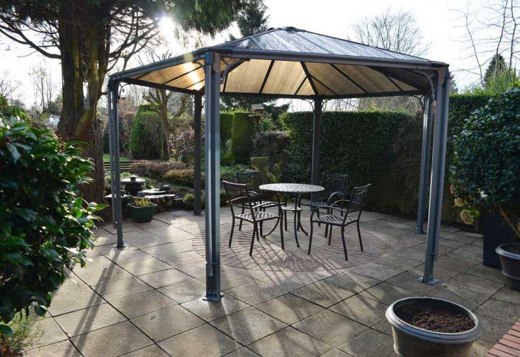 tonnelle design hexagonale en aluminium 438x289cm chal t jardin. Black Bedroom Furniture Sets. Home Design Ideas