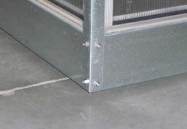 Embase en acier galvanisé pour serre Basic 300