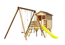 cabane en bois montée sur pilotis avec portique et toboggan
