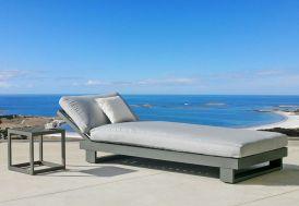 Bain de soleil et table basse en aluminium Amayes