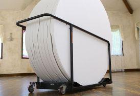 Chariot + Lot de 10 Tables PEHD Rondes Pliantes Lifetime 152x74 cm