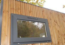 Panneau en Bois 120x230 cm avec Fenêtre 100x60 cm pour Bungalow