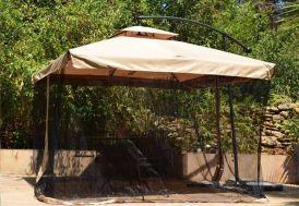 parasol avec moustiquaires amovibles noires
