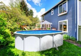 piscine en métal blanc hors sol