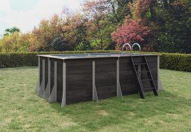 Piscine hors-sol en composite dans un jardin extérieur