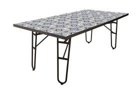 Table de jardin en métal avec plateau en carreaux de ciment
