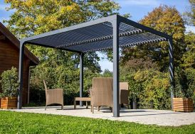 Pergola bioclimatique en aluminium avec lames orientables 11 m²